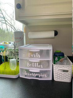 Baby Bottle Organization, Baby Nursery Organization, Baby Stuff Organization, Baby Boy Rooms, Baby Boy Nurseries, Baby Room, Baby Storage, Baby Bottle Storage, Newborn Baby Tips