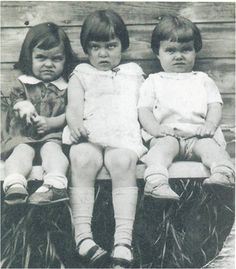 The Three Sister's - Smile for the Camera