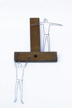 Les voleurs   wood & galvanized wire   40 X 18 cm   Photo credit: Paula Gecan Wire Art, Photo Credit, Wood, Photography, The Thieves, Photograph, Woodwind Instrument, Timber Wood, Fotografie