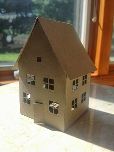 Papercrafts and other fun things: I Now Love Making Paper Houses