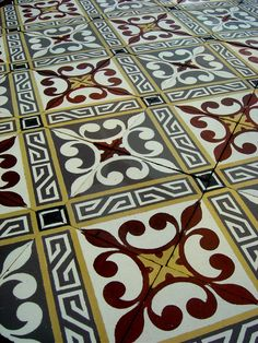Antique French ceramic floor complete with double border tiles - The Antique Floor Company Modern Flooring, Unique Flooring, Flooring Ideas, Buy Tile, Flooring Companies, Border Tiles, Vintage Tile, Home And Deco, Floor Design