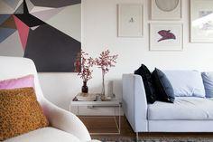 Antes um escritório, hoje uma bela casa: https://www.casadevalentina.com.br/blog/OPEN%20HOUSE%20%7C%20CECILIA%20E%20BETO ---------------------------------------------------  Before an office, now a beautiful house: https://www.casadevalentina.com.br/blog/OPEN%20HOUSE%20%7C%20CECILIA%20E%20BETO