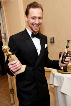 1/8/17 Tom Hiddleston at the Golden Globes