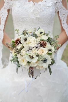 53 Ideas wedding colors january winter bouquet for 2019 Winter Bridal Bouquets, Winter Wedding Centerpieces, Winter Bouquet, Winter Wedding Flowers, Bridal Flowers, Floral Wedding, Wedding Colors, Winter Weddings, Blue Flowers