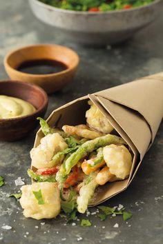 Receta de Tempura de mar y huerta con dos salsas  http://issuu.com/foodfilmmakers/docs/revista_0/1