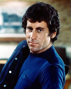 Paul Michael Glaser wearing blue shirt in Starsky and Hutch 11X14 Photo