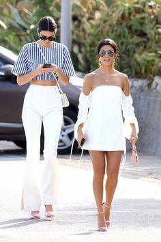 This Video Of Kendall Jenner And Kourtney Kardashian Tipsy At Wine Tasting Is Literally Us Kylie Jenner Outfits, Kendall Jenner Style, Chic Outfits, Summer Outfits, Fashion Outfits, Vacation Outfits, Kendall And Kourtney, Kardashian Style, Kourtney Kardashian 2018