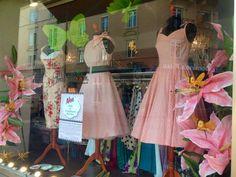 Vintage Stil, Window, Summer Dresses, Store, Fashion, Beautiful Shoes, Wedding Dress, Curve Dresses, Nice Asses