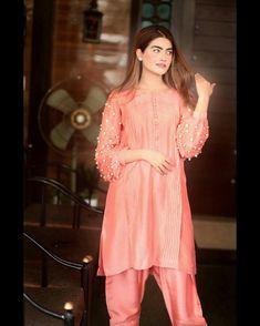Pakistani Fashion Casual, Pakistani Dresses Casual, Pakistani Dress Design, Designer Wear, Designer Dresses, Fancy Kurti, Afghan Dresses, Weeding Dress, Stylish Girl Pic