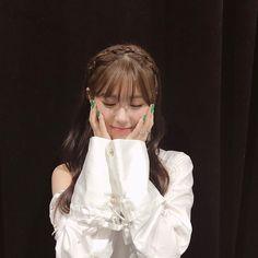 g idle 💕 Kpop Girl Groups, Korean Girl Groups, Kpop Girls, Extended Play, K Pop, Pretty Asian, Soyeon, These Girls, Ulzzang Girl