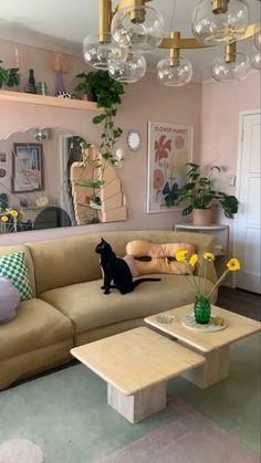 ᴀʟʟ ᴄʀᴇᴅɪᴛꜱ ᴛᴏ ᴛʜᴇ ᴏᴡɴᴇʀ 🐉 Deco Pastel, Pastel Room, Aesthetic Room Decor, Indie Room Decor, Living Room Decor, Dream House Interior, Pretty Room, Room Ideas Bedroom, Home And Deco