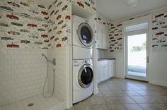 Oh sweet mother of all things holy.....  I could actually make this happen.... home dog wash station - Google Search