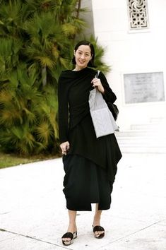 On the Beach……Miami Chic, Florida « The Sartorialist Earthy Style, She Walks In Beauty, Sartorialist, Urban Chic, Mode Style, Fashion Wear, Well Dressed, Beautiful Outfits, Catwalk
