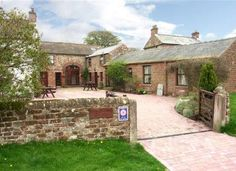 Stay in one of our lovely self catering dog-friendly holiday cottages in the village of Gamblesby in Cumbria.  Gamblesby is a tranquil, picturesque, unspoilt village located in the North Pennines.
