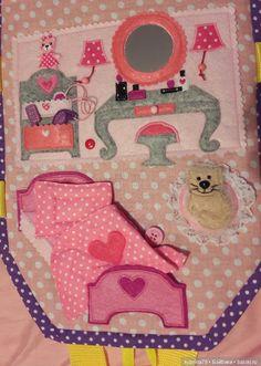Доброго времени суток, друзья. Мучаясь от бессоницы, решила создать топик… про кукольный домик, который сшила сама для своей дочки и