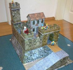 Matthias Höreth, from Germany , built a very nice castle , using as base some parts of the Medieval Castle in Scale and the Ol. Medieval Houses, Medieval Castle, Castle Project, Cardboard Castle, Paper Houses, Paper Models, Paper Toys, Card Stock, Printables