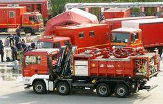 Shell werkfeuerwehr Hamburg-harburg zu gast-bei der lfs-hambur Bug Out Vehicle, Fire Apparatus, Emergency Vehicles, Fire Engine, Fire Department, Ambulance, Fire Trucks, Firefighter, Remote