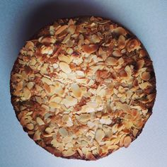 Tineke's Cucina: Amandelcake met frambozen Cake Cookies, Pie, Desserts, Food, Pinkie Pie, Tailgate Desserts, Deserts, Fruit Flan, Essen