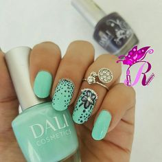 "هذه #أظافر اليوم  Flower Nails using Dali #381 in ""Beach Side Babe"" and Dali #307 in ""Autumn"""