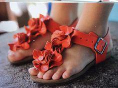 Se sua filha é super antenada no mundo da moda, você não pode deixar de passar em nossa loja e conferir nossa coleção Primavera-verão, que está incrível. Estamos aguardando você!