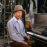 Charley and Ewan Coffee Break — Donald O'Connor in Singin' in the Rain Classic Tv, Classic Movies, Old Movies, Great Movies, Hollywood Actor, Classic Hollywood, Donald O'connor, Tv Funny, Musical Film