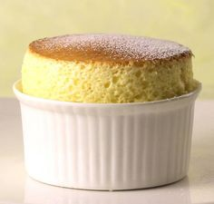 Perfect Vanilla Soufflé Recipe: So simple! Bake Attempt Baked at 190 °C on rack, fan-forced with grill below for 13 minutes. Could try on rack for 14 minutes for future attempts. Vanilla Souffle Recipes, Souffle Recipe Dessert, Dessert Recipes, Curd Recipe, Pudding Recipe, Cheese Souffle, Souffle Pancake, Chocolate Souffle, Sweets