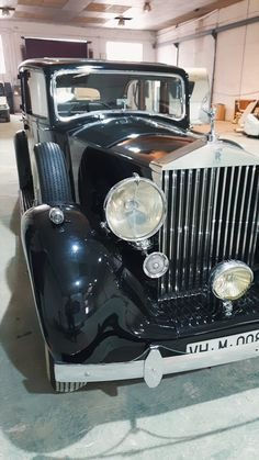 Classic Rolls Royce, Vintage Rolls Royce, Rolls Royce Limousine, Rolls Royce Cars, Retro Cars, Vintage Cars, Antique Cars, Rolls Royce Silver Cloud, Cool Old Cars