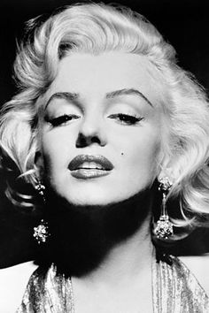 Marilyn Monroe- The Ultimate Pin Up