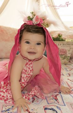 Baby girl photography 8 month. Fotografía beba 8 meses.