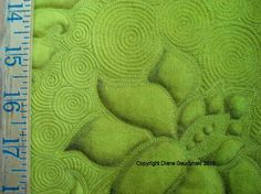 "Great inspiration and tutorial for celtic bubbles Diane Gaudynski ""A New Tradition in Quilting"": Celtic Bubbles as Background"
