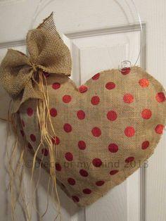 Corazón del día de San Valentín de la arpillera suspensión de puerta metálica Foil Polka Dot, yute pintado, rafia natural o teñida con alambre galvanizado, dorado o rojo
