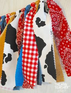 Got a hankering for a farm party? My fabric tie bunting provides just the touch of barnyard charm to your party and coordinates with any farm party printables or other decoration. My garlands are very Cowboy Birthday Party, Cowgirl Party, Farm Birthday, Toy Story Birthday, Animal Birthday, 3rd Birthday Parties, Birthday Ideas, Cow Print Birthday, Cow Birthday Cake