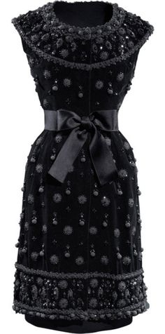 Balenciaga - 1962 - Beautiful Black Velvet Dress Embellished With Black Pearls & Bow Feature At Waist