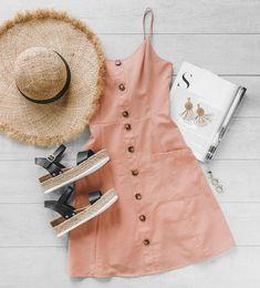High Road Peach Buttoned Pocket Dress Peach is so cute this season! Cute Summer Outfits, Cute Casual Outfits, Spring Outfits, Casual Dresses, Peach Outfits, Simple Outfits, Winter Outfits, Camille Thomas, Birthday Outfit
