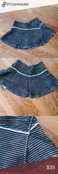 Free People Bento Skirt Cute Free People Bento skirt. Short length mini skirt in black and white. Never worn. Free People Skirts Mini