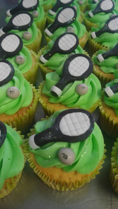 Frontenis fondant cupcakes