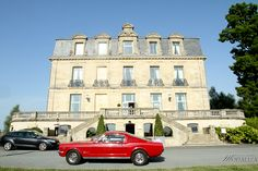 Mariage Chateau grattequina Ford mustang rouge wedding photographer modaliza photographe