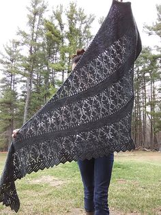 Ravelry Milk Thistle Shawl Pattern By Nat Raedwulf - ravelry mariendistel-schal-muster durch nat raedwulf - ravelry milk thistle shawl pattern par nat raedwulf Knitted Shawls, Crochet Shawl, Knit Crochet, Sweaters Knitted, Lace Shawls, Knit Lace, Knit Cowl, Knitted Baby, Baby Sweaters