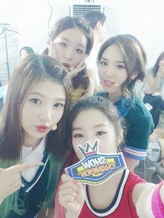 140816 Red Velvet Selca @ Show Champion South Korean Girls, Korean Girl Groups, Park Sooyoung, Red Velvet Irene, Peach Blossoms, Double Take, Seulgi, Midnight Blue, Champion