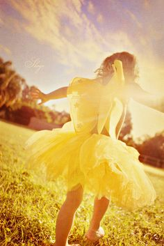"perfect picture to take of Adasyn and hang in her room with a sign that says ""You are my Sunshine"" LOVE LOVE LOVE IT!"