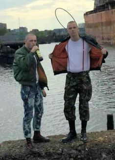 men turned down rubber boots Skinhead Men, Skinhead Boots, Skinhead Fashion, Skinhead Style, Skin Head, Fred Perry, Strike A Pose, Hot Boys, Leather Men