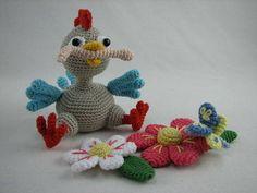 "Häkelanleitung ""Küken Fridolin"" bei Makerist Crochet Chicken, Easter Crochet, Dinosaur Stuffed Animal, Crochet Necklace, Kids Rugs, Christmas Ornaments, Toys, Holiday Decor, Pattern"