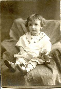 Dolls by elinor04 mostly off, via Flickr