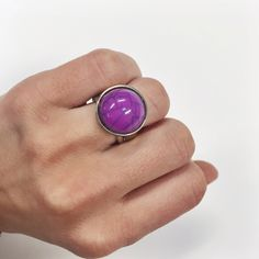 Purple vintage cocktail ring Size 6. Gorgeous stone ring Jewelry Rings