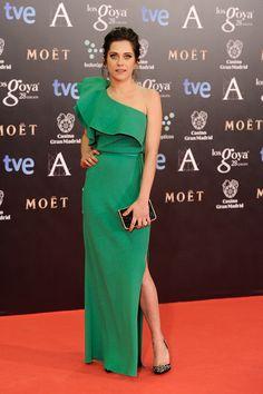 El verde ¿esperanza? también es uno de los colores de la noche. María León lo luce en su vestido de Lanvin. Los accesorios son de Salvatore Ferragamo.