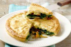 Hartige taarten smaken op hun best in de herfst! Een heerlijk lijstje met 9 hartige taarten, van quiche over tarte tatin tot bladerdeegtaart.