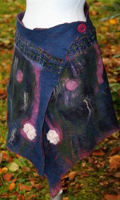 Felt skirt or shawl Shawl, Creations, Felt, Trending Outfits, Unique Jewelry, Handmade Gifts, Skirts, Etsy, Clothes