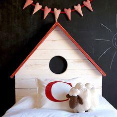 Cabeceros habitación infantil http://www.mamidecora.com/muebles-cabeceros-en-forma-de-casita.html