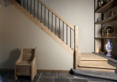 50 Ideas For Wooden Stairs Design Entryway Entryway Stairs, Basement Stairs, House Stairs, Stair Railing Design, White Stairs, Entry Way Design, Wooden Stairs, Stair Storage, Interior Stairs
