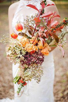 pretty fall wedding bouquet ideas